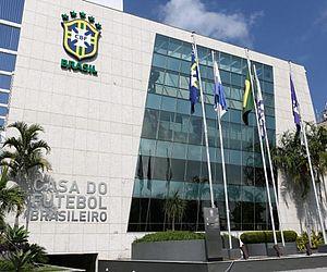 Ao contrário da Europa, clubes no Brasil têm dificuldade de reduzir salários