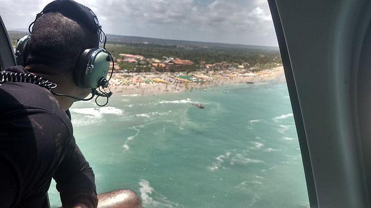 Bombeiros retomam buscas por jovem que desapareceu  na Praia do Francês, nesse domingo (26)