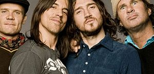 Red Hot Chili Peppers anuncia turnê mundial para 2022 após volta de Frusciante