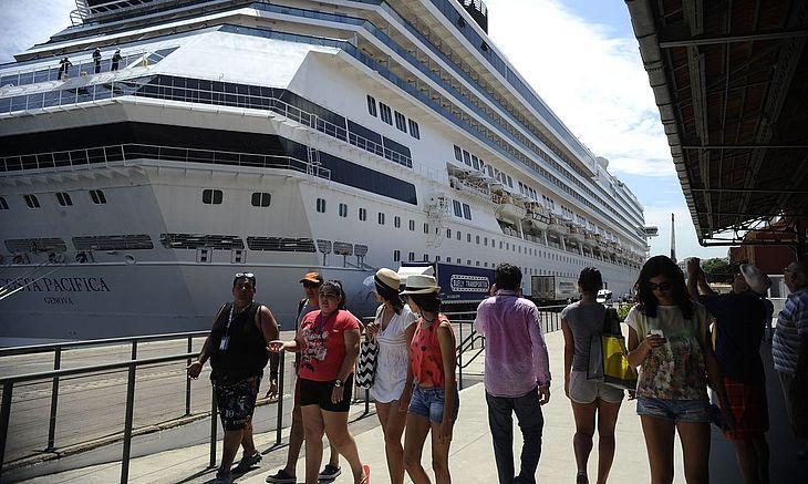 Temporada de cruzeiros promete movimentar a costa brasileira a partir do mês que vem
