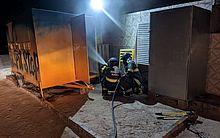 Trailer pega fogo na Praia de Barra Grande, em Maragogi