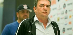 Andrés desmente presidente do Grêmio e nega ter oferecido jogadores por Luan