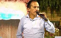Live do cantor de 'Caneta Azul' deu o que falar; assista aqui