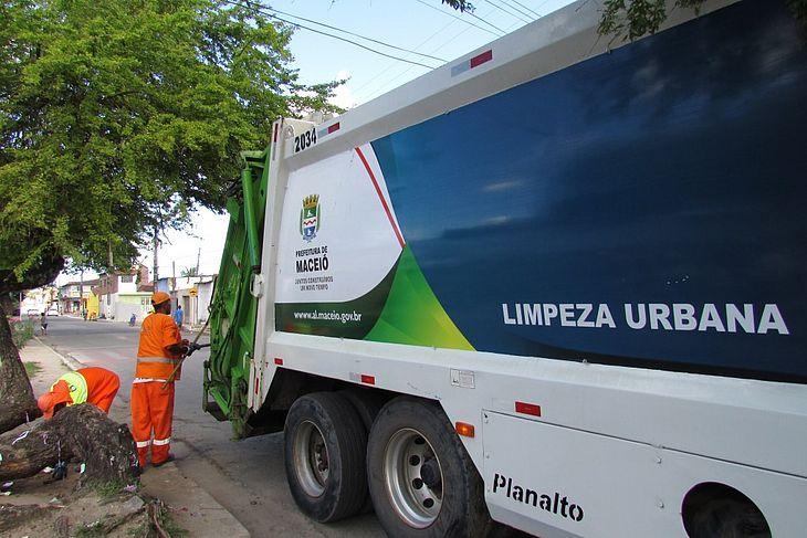 A coleta em Maceióé uma atribuição daSuperintendência Municipal de Desenvolvimento Sustentável