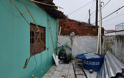 Ventania na madrugada destrói telhados e danifica casas em Cruz das Almas
