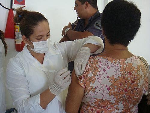 Aplicação de vacinas será feita nas 53 unidades de saúde