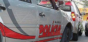 Mulher tem portão de casa quebrado por ex-marido e é agredida, em Maceió
