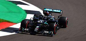 Mercedes é a mais rápida em treinos para GP dos 70 anos da F1