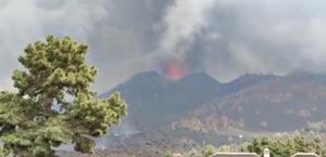 """Erupção """"brutal"""" pode causar colapso de cone do vulcão em La Palma; veja explosão"""