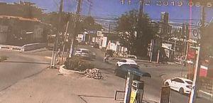 Vídeo registrou momento em que carro capota na Bomba da Marieta