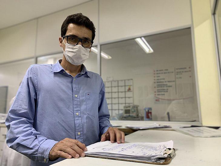 Cardiologista do HGE, Alex Vieira, alerta que os pacientes que tiveram Covid-19 podem desenvolver problemas cardiovasculares
