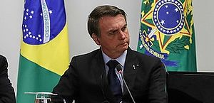 Bolsonaro divulga vídeo de caça de baleias na Dinamarca para criticar Noruega