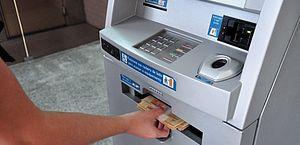 Bancos ainda estudam oferta de crédito garantido por saque-aniversário