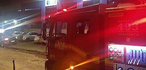 Incêndio em almoxarifado de hospital na Jatiúca mobiliza Corpo de Bombeiros