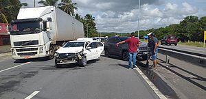 Motoristas se envolvem em acidente na rodovia AL-101 Sul, em Marechal Deodoro