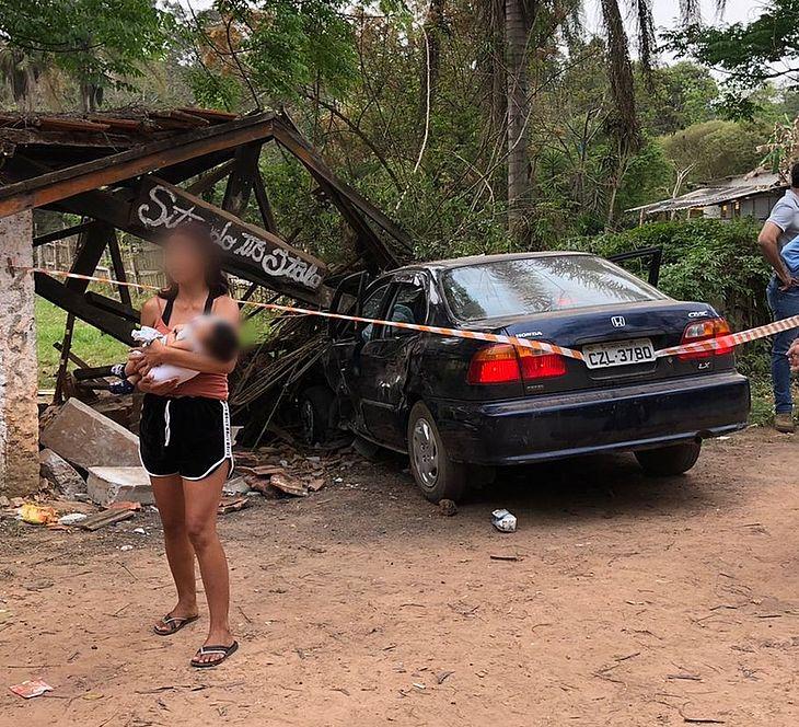 Motorista invade ponto e ônibus e mata crianças e bebê em Campo Limpo Paulista