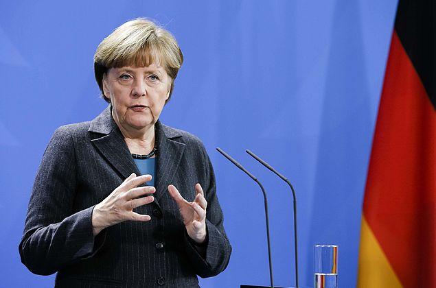 Alemanha anuncia megapacote de investimento público para recuperação do país