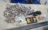 Suspeito de tráfico é preso com drogas, arma e dinheiro em Cidade Universitária