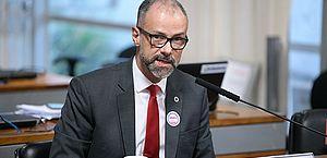 CPI da Pandemia ouve presidente da Anvisa e pode convocar ministros e governadores