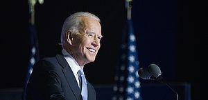 Joe Biden toma dose de reforço contra Covid nos Estados Unidos