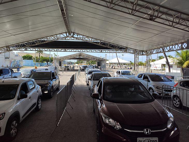 A ocorrência foi registrada na noite desta sexta-feira (7), no estacionamento do Jaraguá.