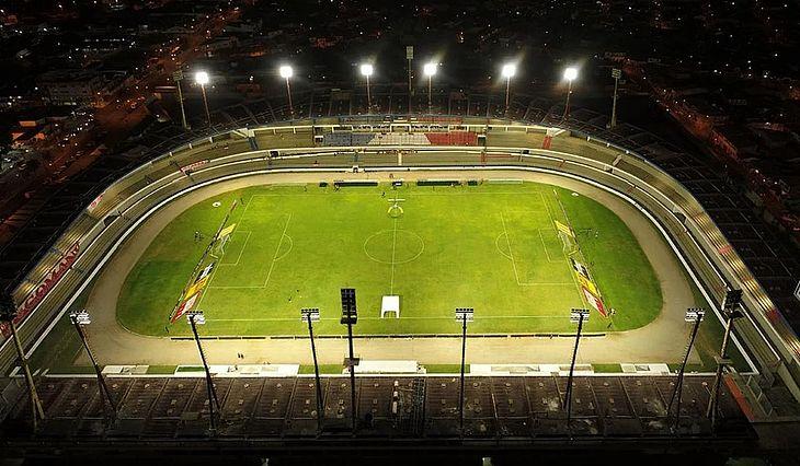 Estádio Rei Pelé segue parcialmente interditado por força de decisão liminar
