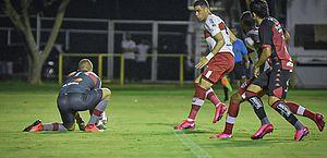 Lei do ex duas vezes: CRB perde para o Vitória por 2 a 1 em Salvador