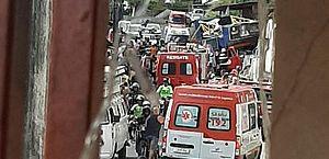 Vídeo: durante carreata de JHC, trio elétrico perde o controle, invade casa e deixa feridos em Chã da Jaqueira