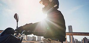 Usar moto no trabalho é atividade perigosa e dá direito a receber a mais?