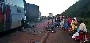 Acidente com ônibus que levava trabalhadores de Alagoas para o Mato Grosso deixa 11 feridos