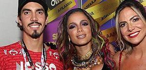 Anitta assume namoro com Gabriel David em live no Instagram