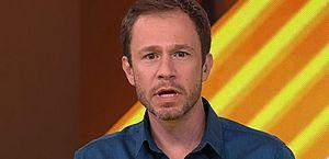 Tiago Leifert se irrita com acusação de que teria dado dica para Arthur