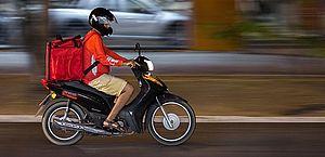 Motoristas e entregadores de aplicativo planejam greve após aumento da gasolina