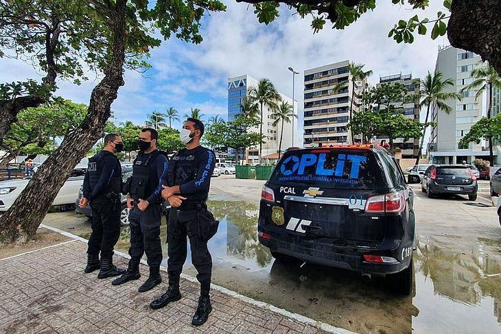 Prisão foi realizada por policiais civis da Oplit em agência bancária da capital