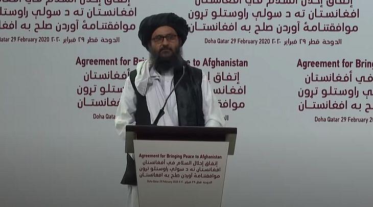 Abdul Ghani Baradar durante negociações realizadas em Moscou em março deste ano