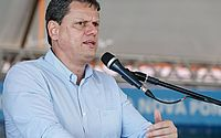 Ministro Tarcísio Freitas desembarca em AL para anunciar obras do Governo Federal