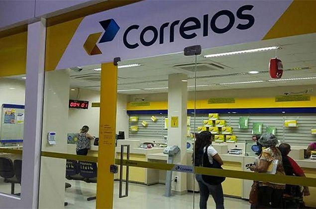 Após EBC e Eletrobras, governo inclui Correios no programa de privatização