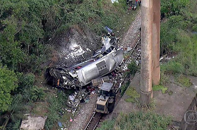 Inquérito investiga as causas do acidente com ônibus em João Monlevade; empresa lamenta mortes