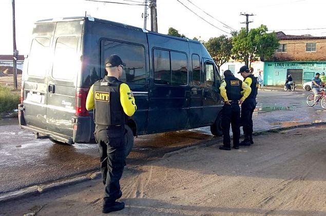 Veículos são recolhidos pela SMTT por realizar transporte clandestino em Maceió