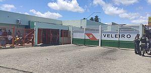 Veleiro não vai a mais uma audiência na Justiça; trabalhadores estariam sem receber há 4 meses