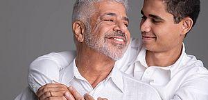 Lulu Santos lança clipe 'Para Sempre' com marido Clebson Teixeira