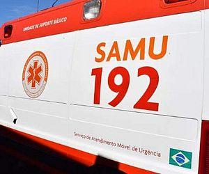 Carro bate em pedra, capota e acidente deixa dois mortos em Delmiro Gouveia