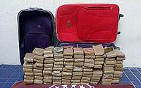 Drogas estavam escondidas em duas malas