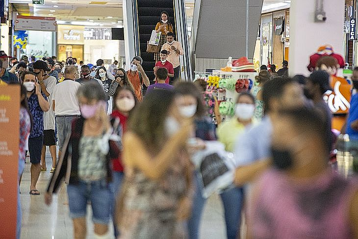 Alagoas está na fase laranja; praias estão liberadas e shoppings e lojas do Centro podem abrir todos os dias