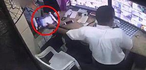 Mulher é presa em flagrante, suspeita de estelionato virtual