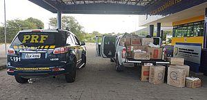 PRF apreende 23 mil maços de cigarros e prende homem por contrabando no Sertão de AL