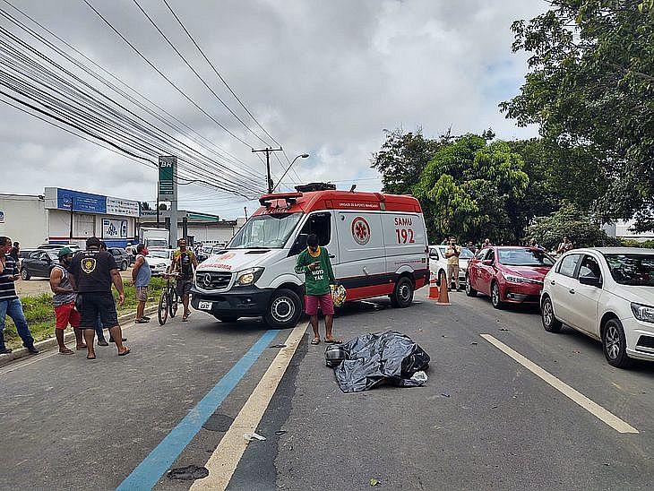 Rafael Aparecido morreu ainda no local do acidente. José Ailton chegou a ser socorrido pelo Samu e levado ao HGE, mas chegou ao local em óbito.