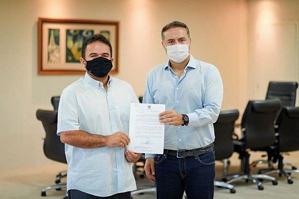 Deputado Marcelo Victor e governador Renan Filho em reunião na manhã desta sexta-feira (19)