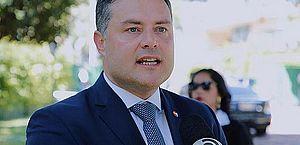 Governador de Alagoas anuncia realização de concurso público em diversas áreas