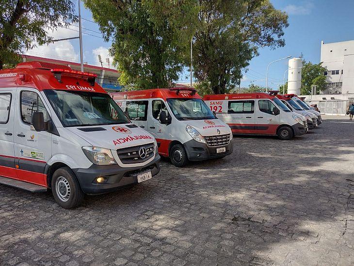 Grande quantidade de ambulâncias do Samu paradas no HGE chama a atenção para problema recorrente
